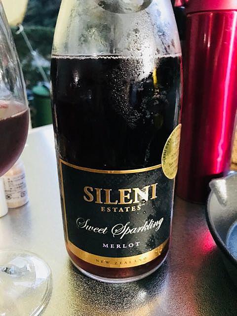 Sileni Cellar Selection Sparkling Merlot