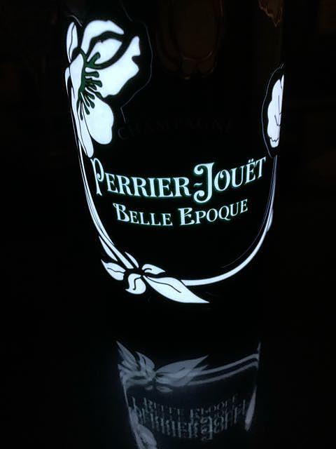 Perrier Jouët Belle Epoque Luminous(ペリエ・ジュエ ベル・エポック ルミナス)