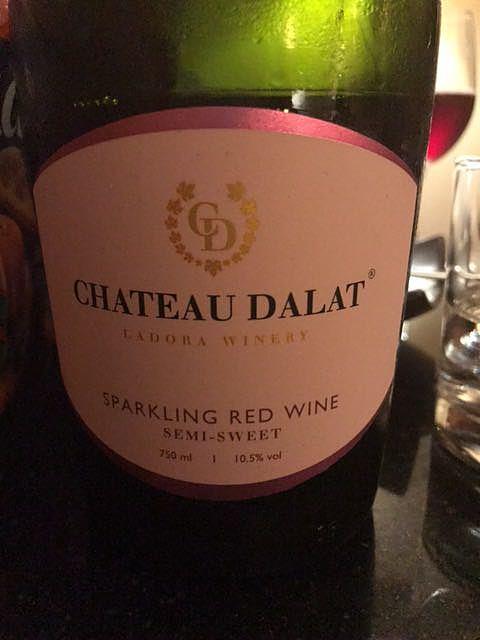 Ch. Dalat Sparkling Red Wine Semi Sweet(シャトー・ダラット スパークリング・レッド・ワイン セミ・スウィート)