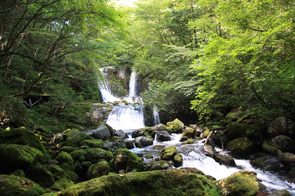 Aburagi Birin (Komorebi and Fueki Waterfalls)