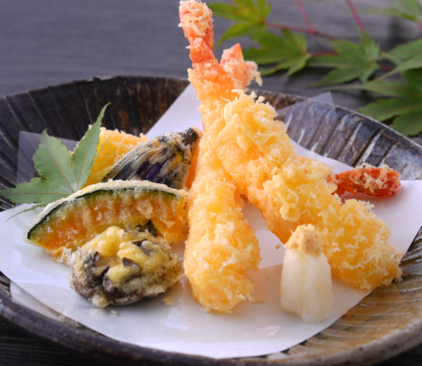 天婦羅盛合せ(海老と季節野菜)