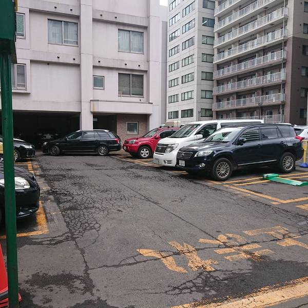 有料駐車場❸ リパーク札幌北2東1