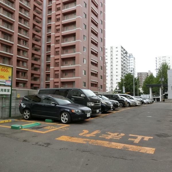 有料駐車場❸ リパーク札幌南2東6