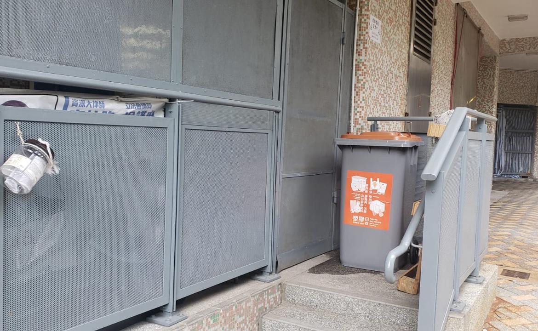 塑膠回收箱-鄧威文區議員辦事處