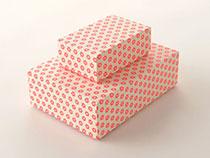 蛍光色で印刷した箱
