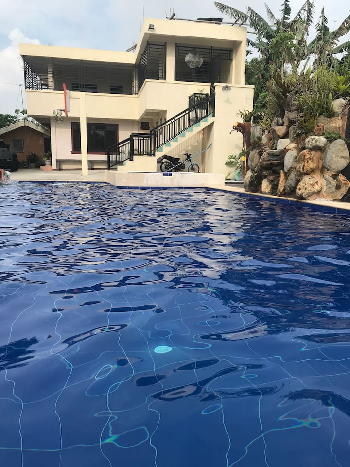 Book Private Resort near Tagaytay for Big Groups/Family at the best