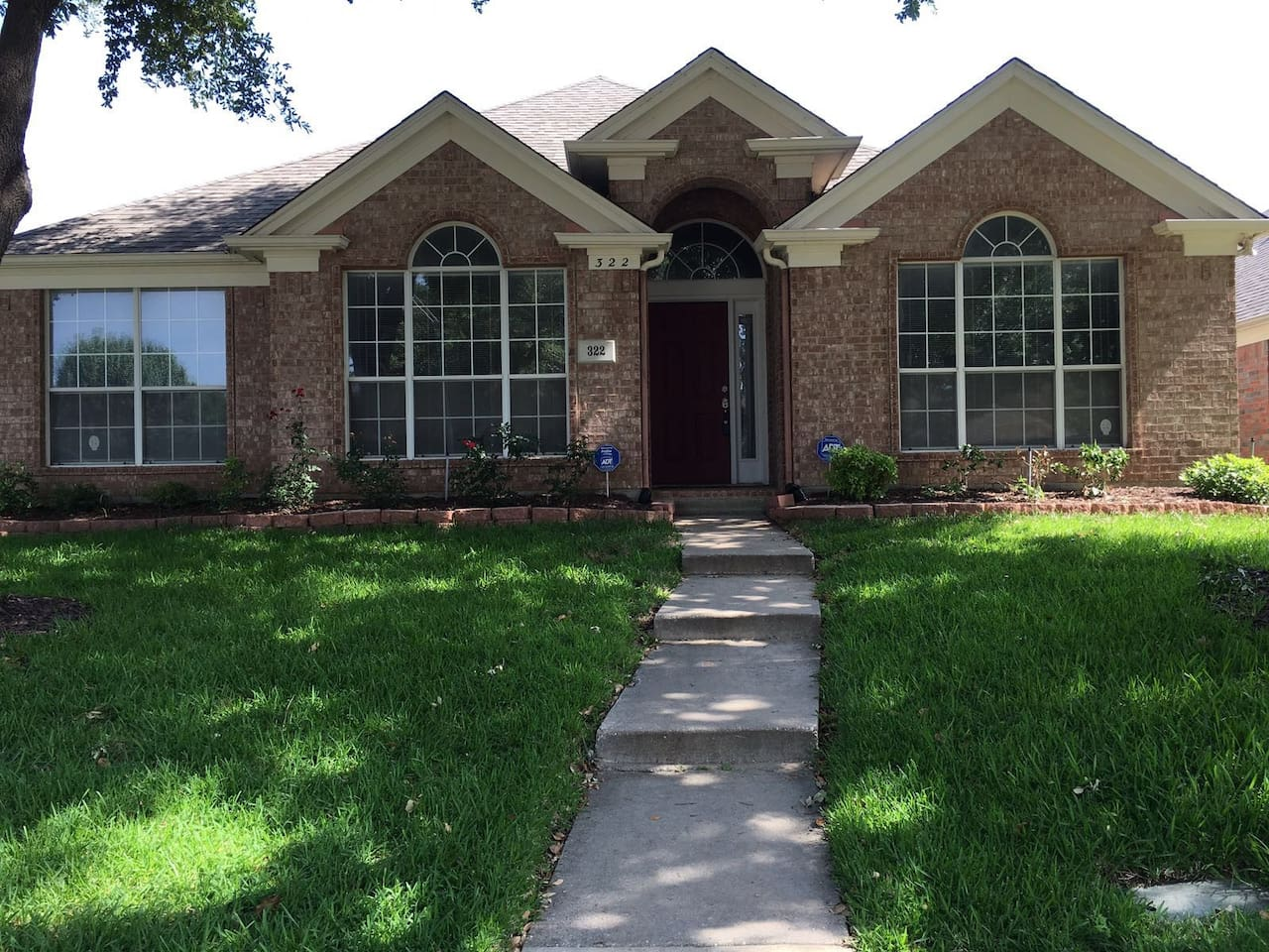 Book A Cozy room in valley ranch near DFW Airport at the