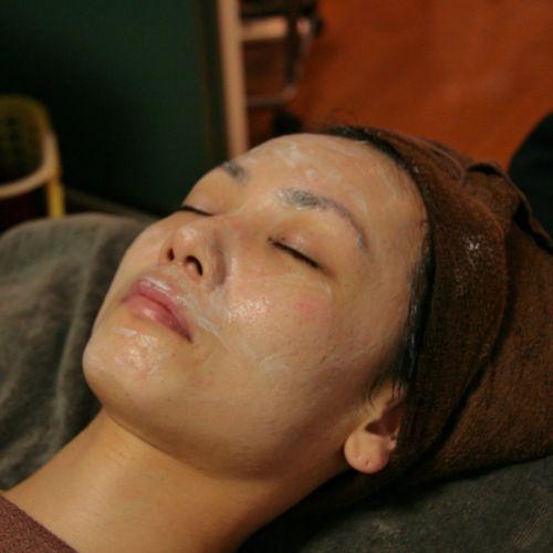 高濃度ビタミンパックで肌を鎮静化、保湿