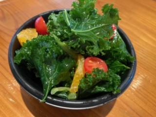 ケールとキヌアのサラダのイメージ