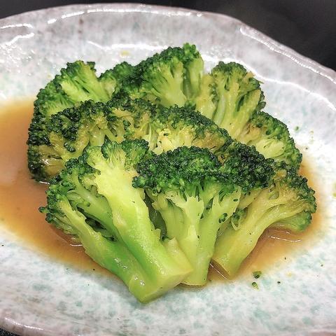 【肴】ブロッコリーのバター醤油蒸しのイメージ