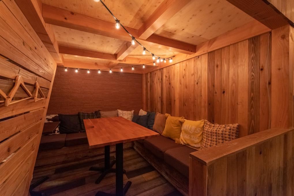 居心地の良いロッジ風の半個室のイメージ
