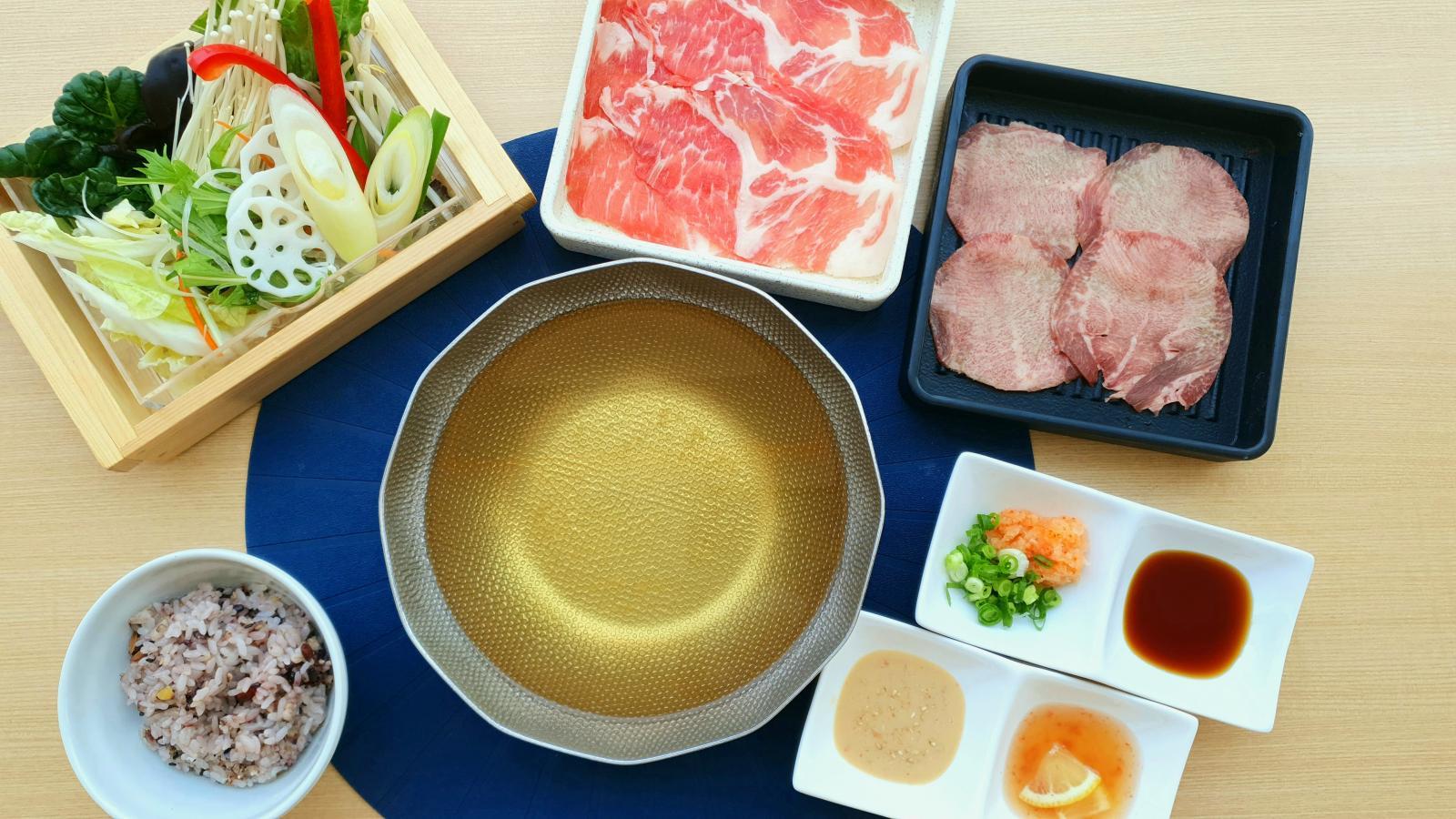 【平日限定ランチ】デザート付き♪お肉2皿(牛たん・三元豚)セットのイメージ