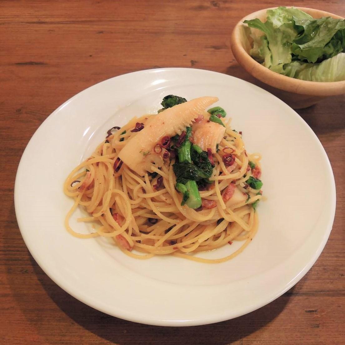 季節野菜のペペロンチーノ サラダ付きのイメージ