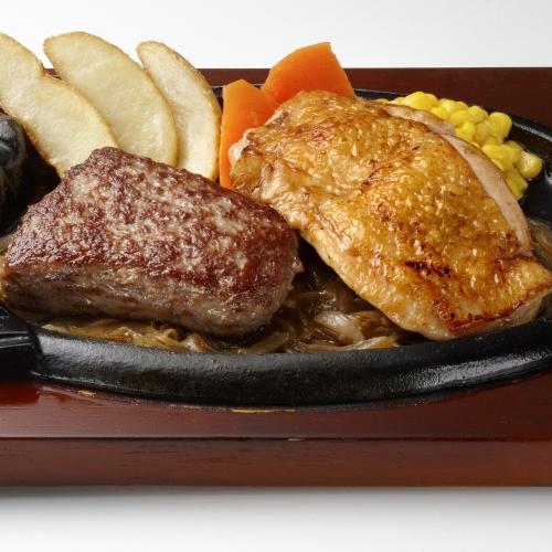 炭焼き粗挽きビーフハンバーグコンビランチのイメージ