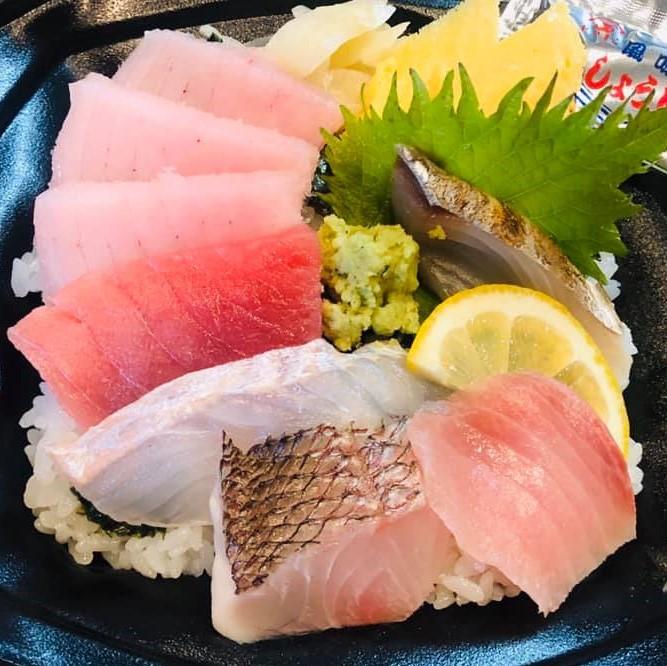 職人の作る海鮮丼のイメージ