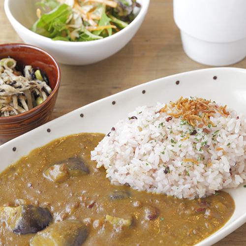 ほうれん草とお豆のひき肉カレーライス Lunch Setのイメージ