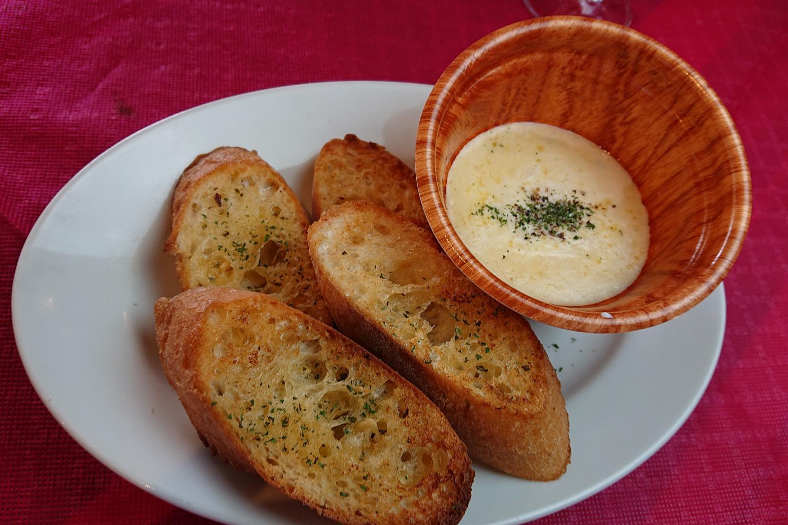 (食材の小売り販売)グラデ風チーズフォンデュ&ガーリックトースト のイメージ