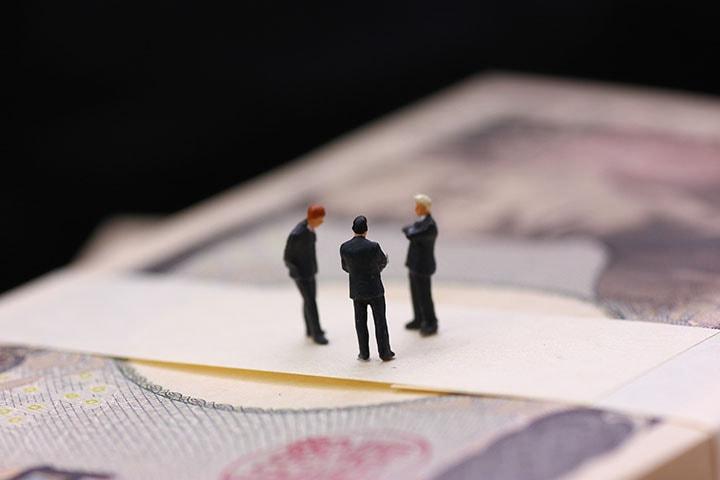 【社労士監修】雇用調整助成金とは?対象事業者や支給要件、支給額から手続きまでご紹介