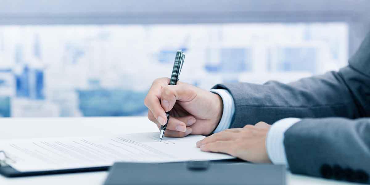 【社労士監修】算定基礎届とは? 社会保険料の算出・提出方法を解説!「電子申請義務化」