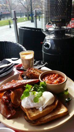 Breakfast on the Yarra