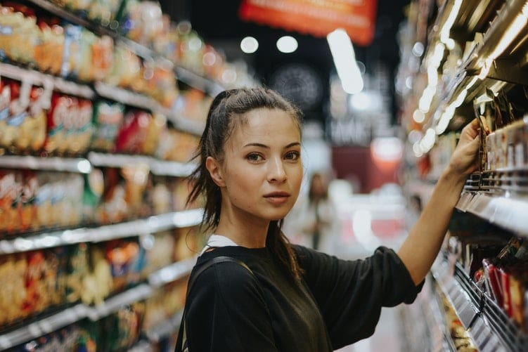 gogovan_on-demand_delivery_singapore_lady shopping at supermarket