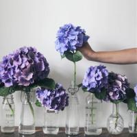 花を部屋に飾ろう♪ 一輪挿しのある暮らしが素敵過ぎる♡の画像