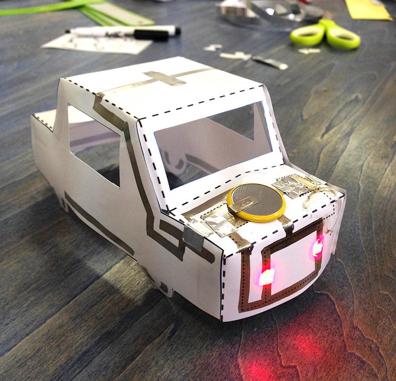 【入門編】電子回路マーカーで光るペーパークラフトをつくろう!