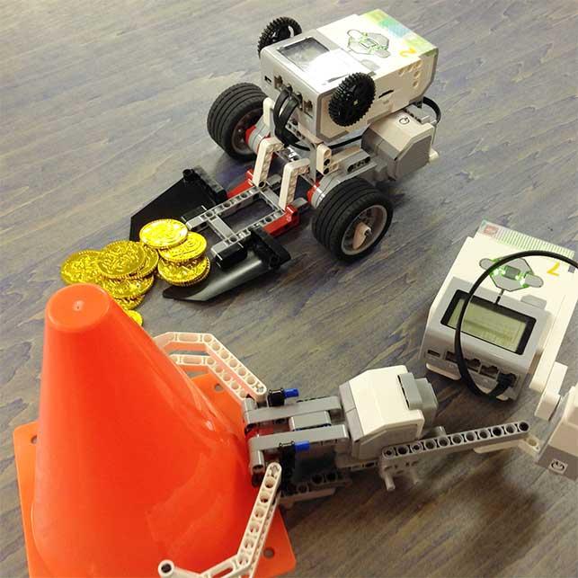 02.親子で協力!オリジナルロボットでミッションに挑戦しよう!
