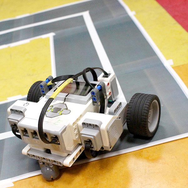 06.センサー付きロボットカーで ミッションをクリアせよ!