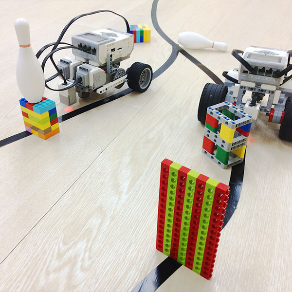 教育版レゴ(R)マインドストーム(R)EV3を使って障害物レースにチャレンジ!