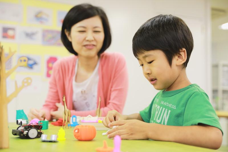 飽き性の子どもが習い事を続ける工夫とは?やる気がなくなるNG行動も紹介