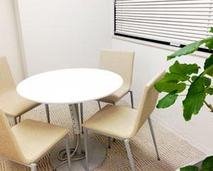 面談や面接練習などで使用する個室です。