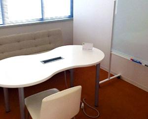 面談や相談時に利用する個室です。