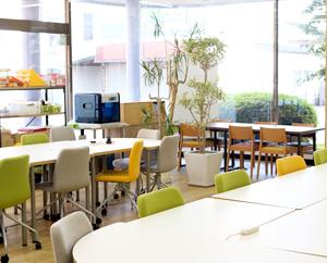LITALICOワークス那須塩原は、明るく開放的で居心地のよい空間づくりを大切にしています。