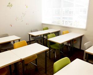 就職活動や日常生活に役立つワークショップをおこなう部屋です。