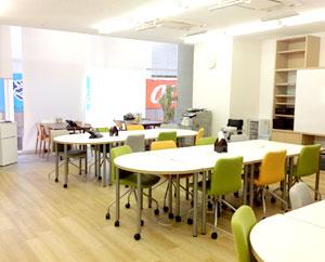 明るく清潔感のある空間づくりを大切にしている就労支援事業所です。