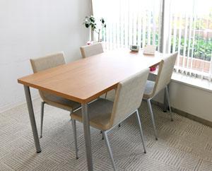 個室は、就労するために必要な面談や 面接練習などで使用します。
