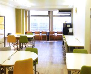 明るく居心地のよい空間づくりを大切にしている就労移行支援事業所です。