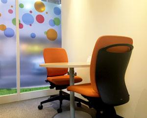 就職活動に必要な面談や面接練習などをおこなう個室です。