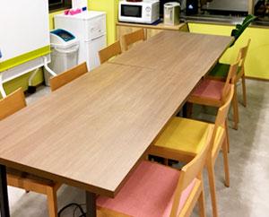 昼食時や休憩時などに使用できるフリースペースです。