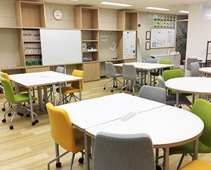 LITALICOワークス大阪梅田西のプログラムスペースです。個別プログラムや数人でワークをおこないます。