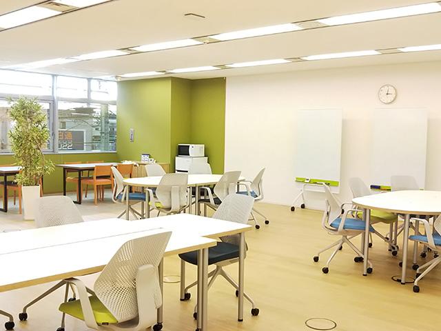 清潔感のあるオフィスのような空間づくりを大切にしている就労移行支援事業所です。