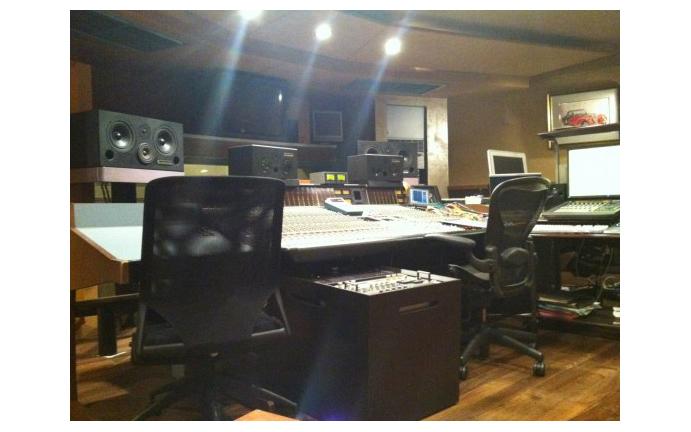 音楽で狙った効果を出すために、作曲や音源・BGM制作はプロに依頼するのが得策。