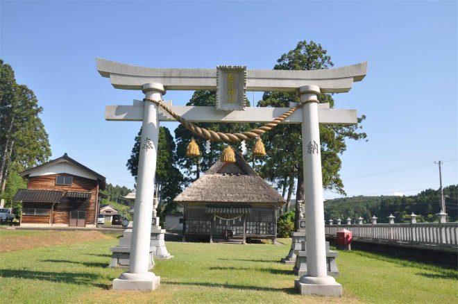松尾神社の正面から