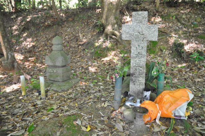 高山右近の墓