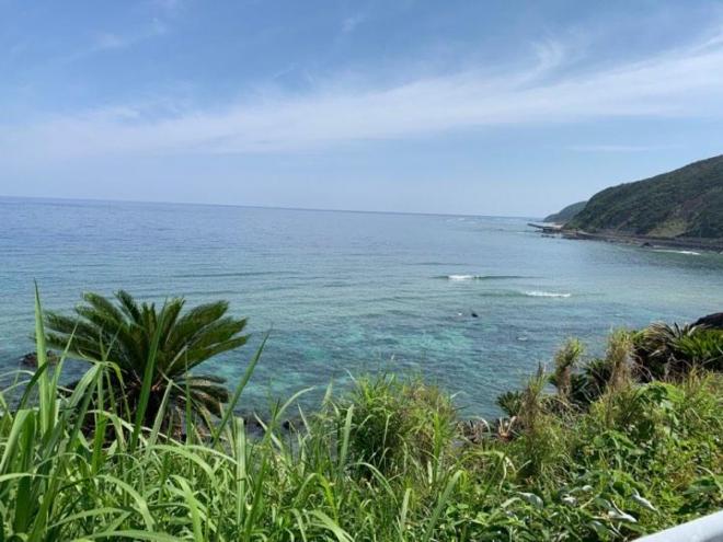 奄美大島の海は、ふるさとでありサーフィンのスポットでもある