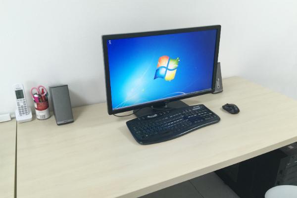 作業するパソコン