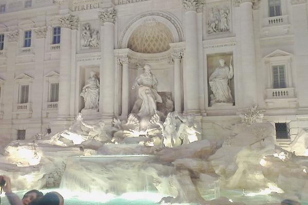 the lancers fontana dei trevi