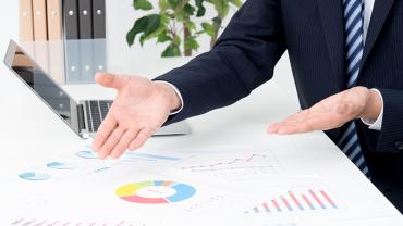 売上アップ!データ分析を会社に依頼するメリットと選び方