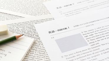 短納期での依頼も可能?英語翻訳サービスを利用するメリットや注意点